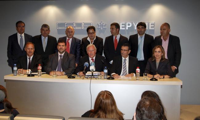 Anterior Dirección de CEOE con Díaz Real previo a ser elegida presidenta  y Mezquita consejero.